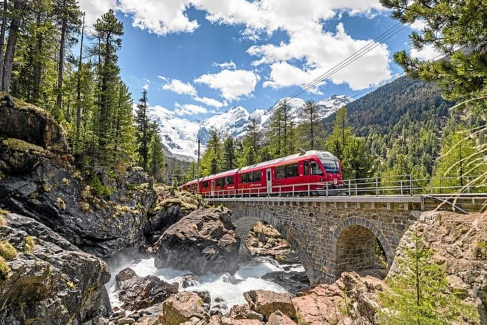 RhB_Bernina-Express-Morteratsch